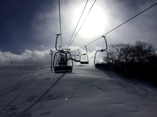 コース外には新雪も。