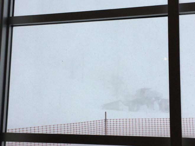 雪は最高だけど視界が、、、