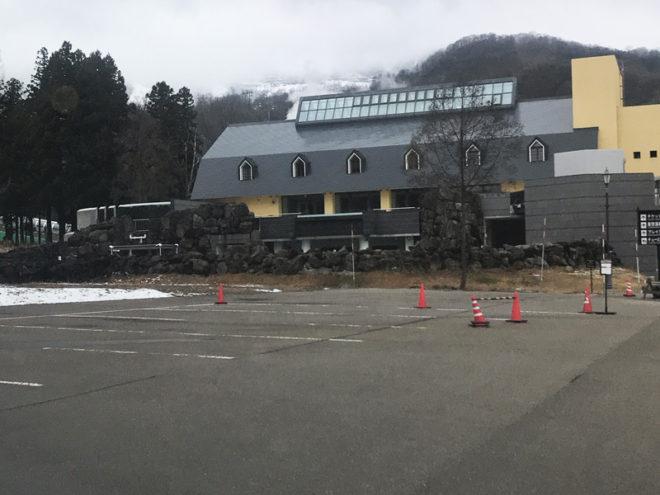 雪の無いアライの駐車場