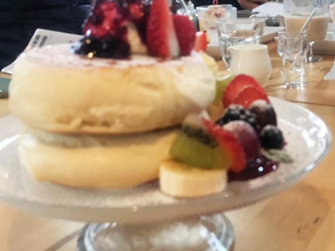 円山パンケーキのトロフワパンケーキ。おいしかった~。